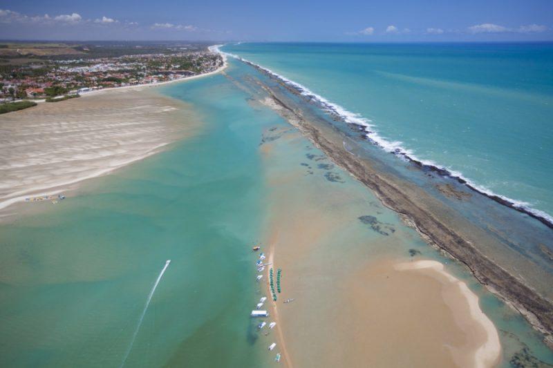 Morar no AltaVistta - vista aérea da Barra de São Miguel, Alagoas