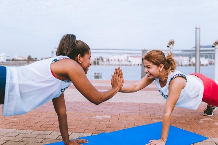prática de exercícios ao ar livre